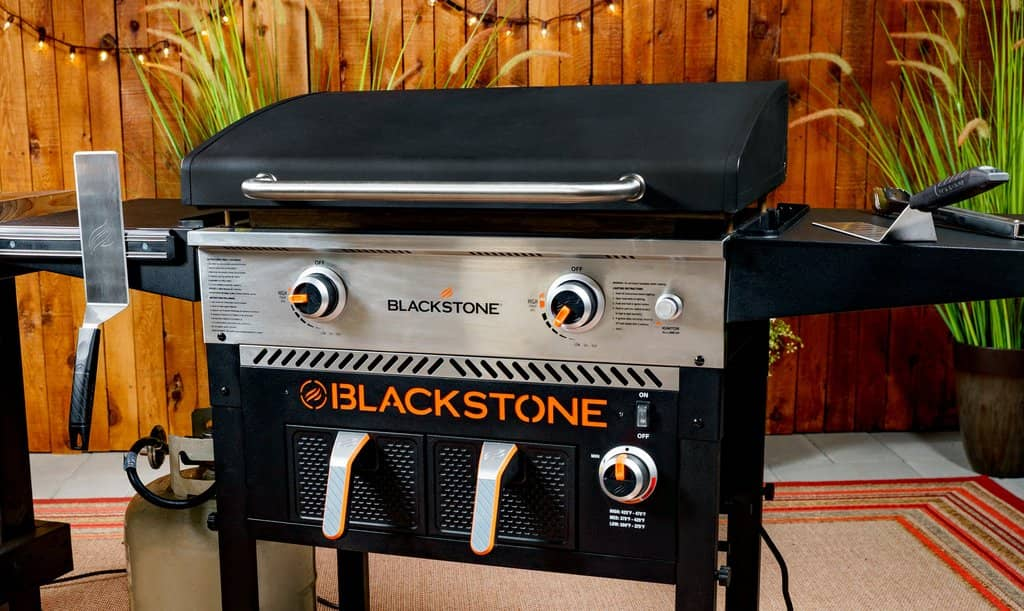 """Blackstone 2-Burner 28"""" Griddle with Electric Air Fryer and Hood"""